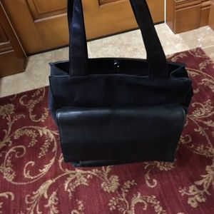 Hobo Int'l Black Leather Front Flat Tote bag